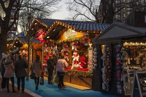 christmas-market-1864241_1280-pixabay