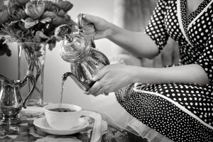 tea-party-tea-black-and-white-teapot2