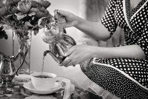 tea-party-tea-black-and-white-teapot2